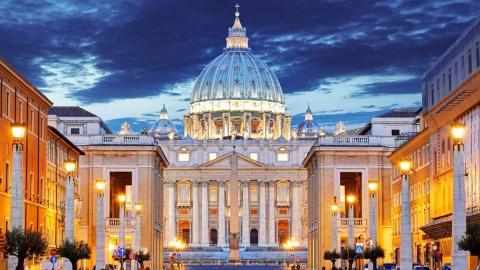 Oltre le porte del Vaticano
