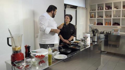 Cucine da incubo italia le ricette di chef cannavacciuolo spaghetti ai frutti di mare dplay - Ricette cucine da incubo ...