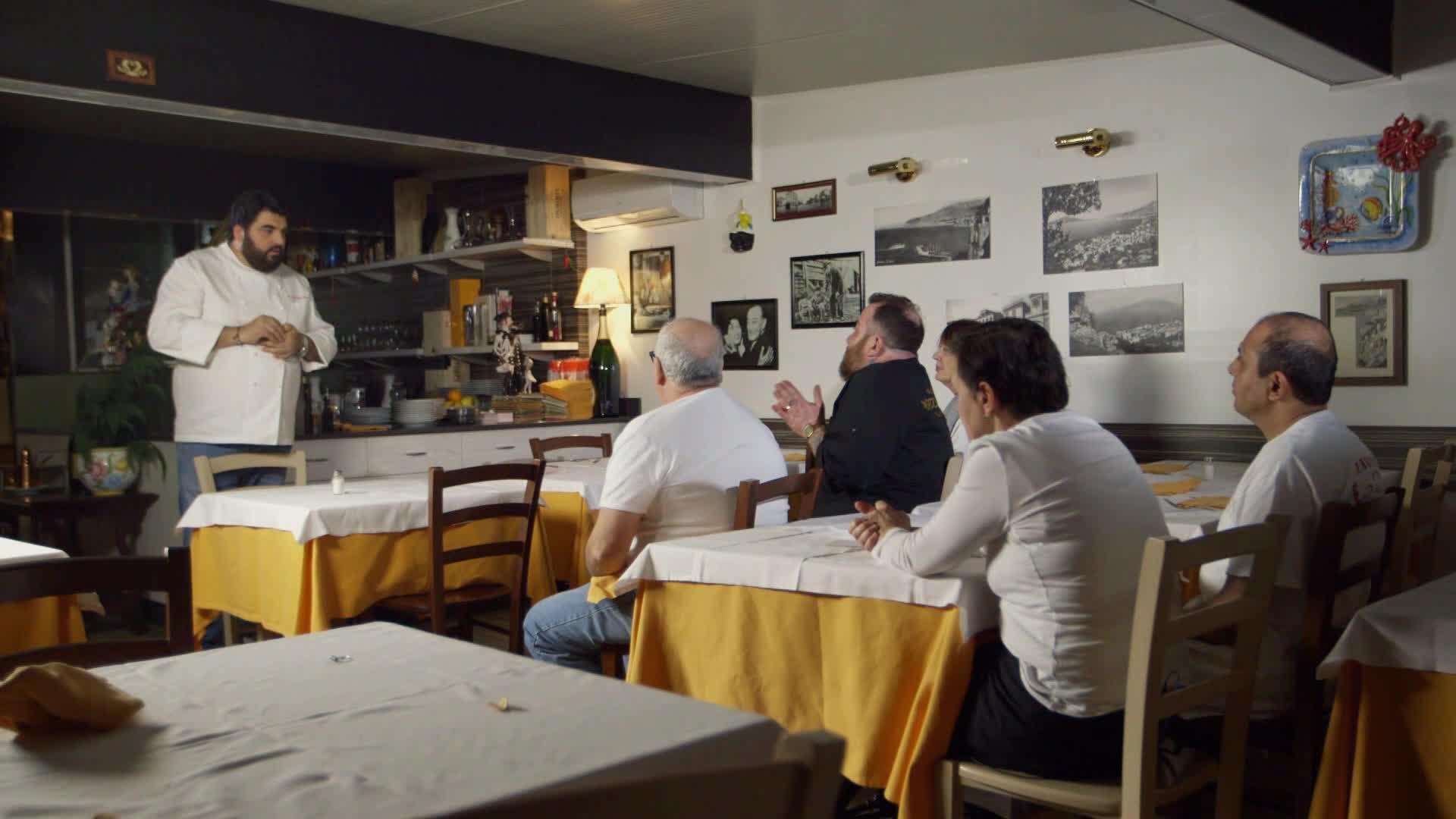 Cucine da incubo italia antonino cannavacciuolo a milano con enzo miccio dplay - Cucine da incubo italia ...