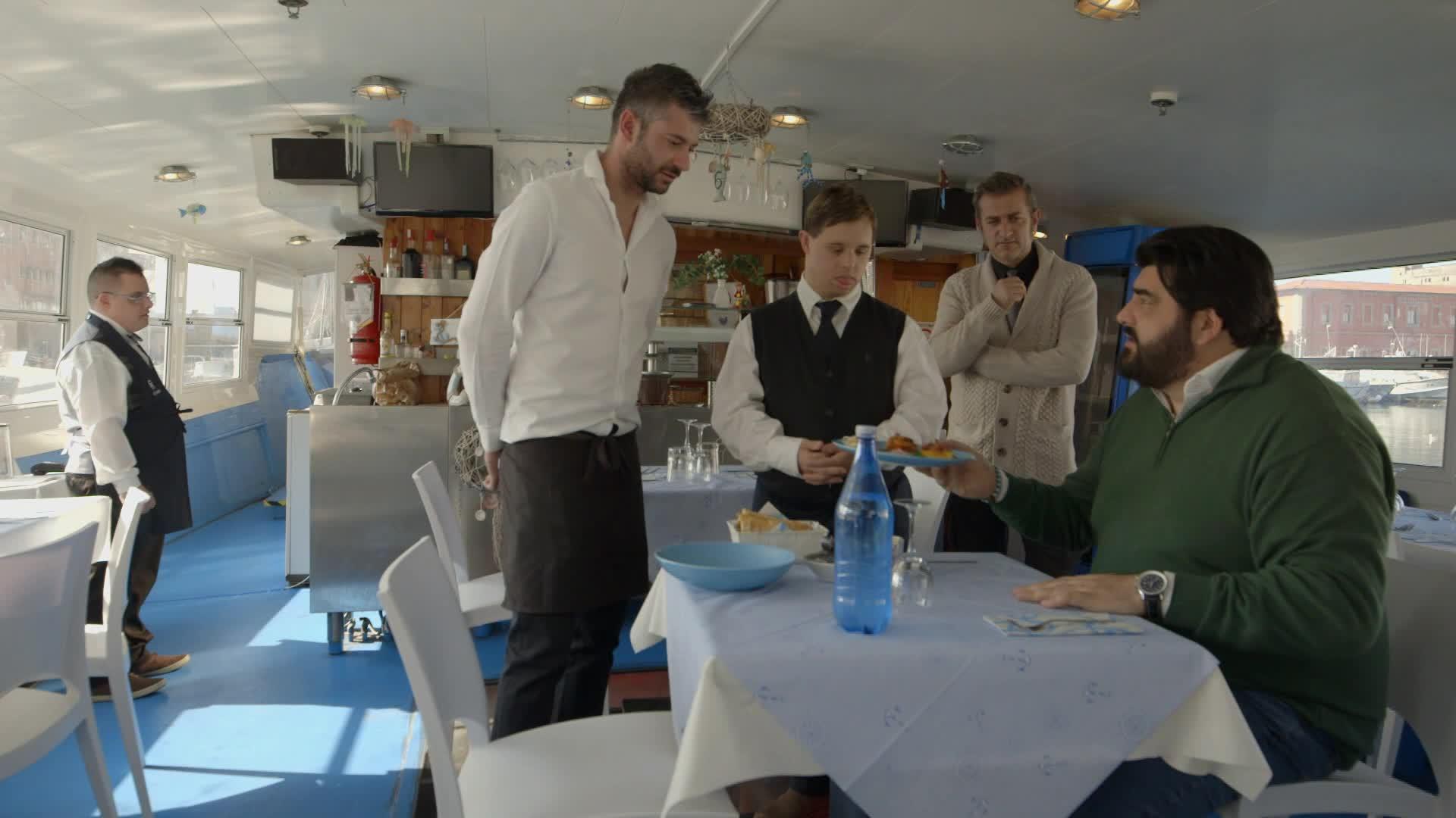 Cucine da incubo italia antonino cannavacciuolo a livorno dplay - Cucine da incubo cannavacciuolo ...