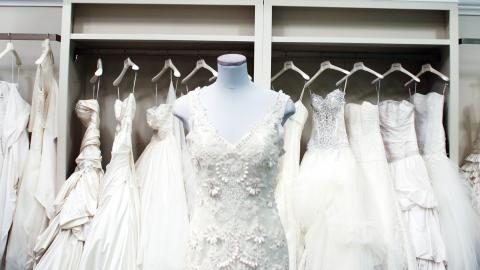 Idee per matrimonio fai da te - Dalla scelta del vestito, alle bomboniere fai da te, dagli accessori per gli invitati, ai consigli per tutte le spose: scopri la selezione di video, tutorial, top 10 di Dplay!